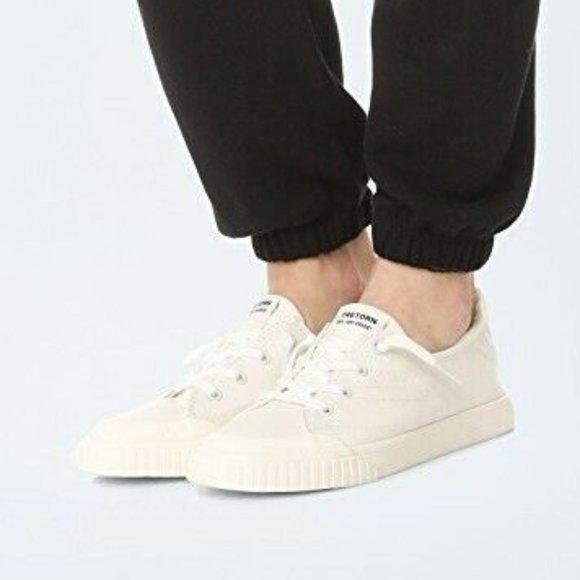 Tretorn Urban Outfitters Meg White Lace